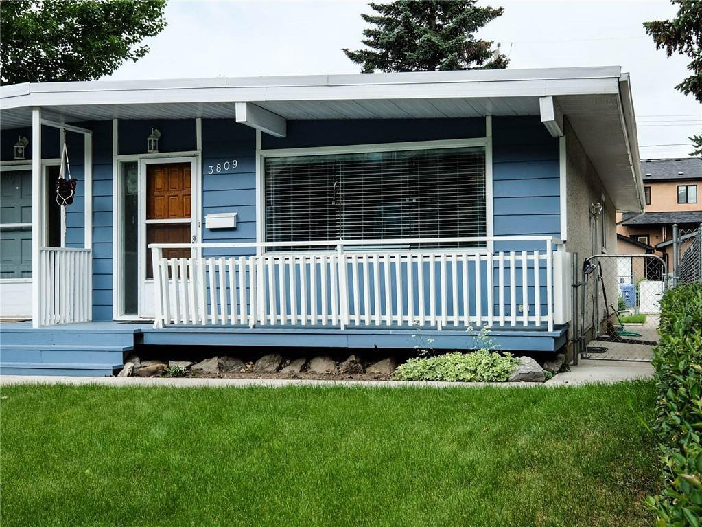 Main Photo: 3809 43 Street SW in Calgary: Glenbrook Semi Detached for sale : MLS®# C4303699