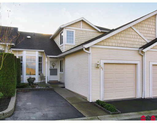 """Main Photo: 107 9012 WALNUT GROVE Drive in Langley: Walnut Grove Townhouse for sale in """"QUEEN ANNE GREEN"""" : MLS®# F2729311"""