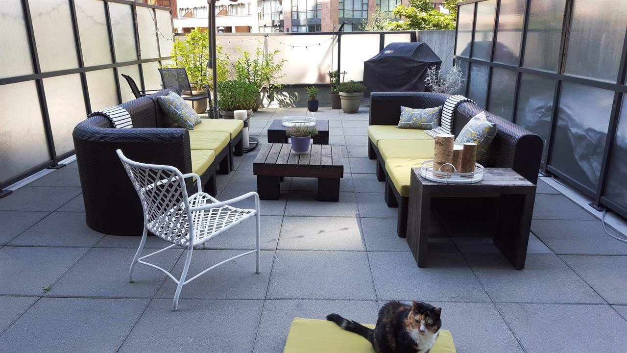 Main Photo: 303 1212 HOWE Street in Vancouver: Downtown VW Condo for sale (Vancouver West)  : MLS®# R2495071