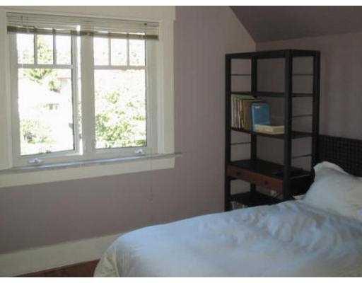 Photo 7: Photos: 1541 E 12TH AV in Vancouver: Grandview VE House for sale (Vancouver East)  : MLS®# V558473