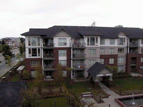 Main Photo: 403 - 15188 22nd Avenue in Surrey: Sunnyside Park Surrey Condo for sale (South Surrey White Rock)  : MLS®# F2510942