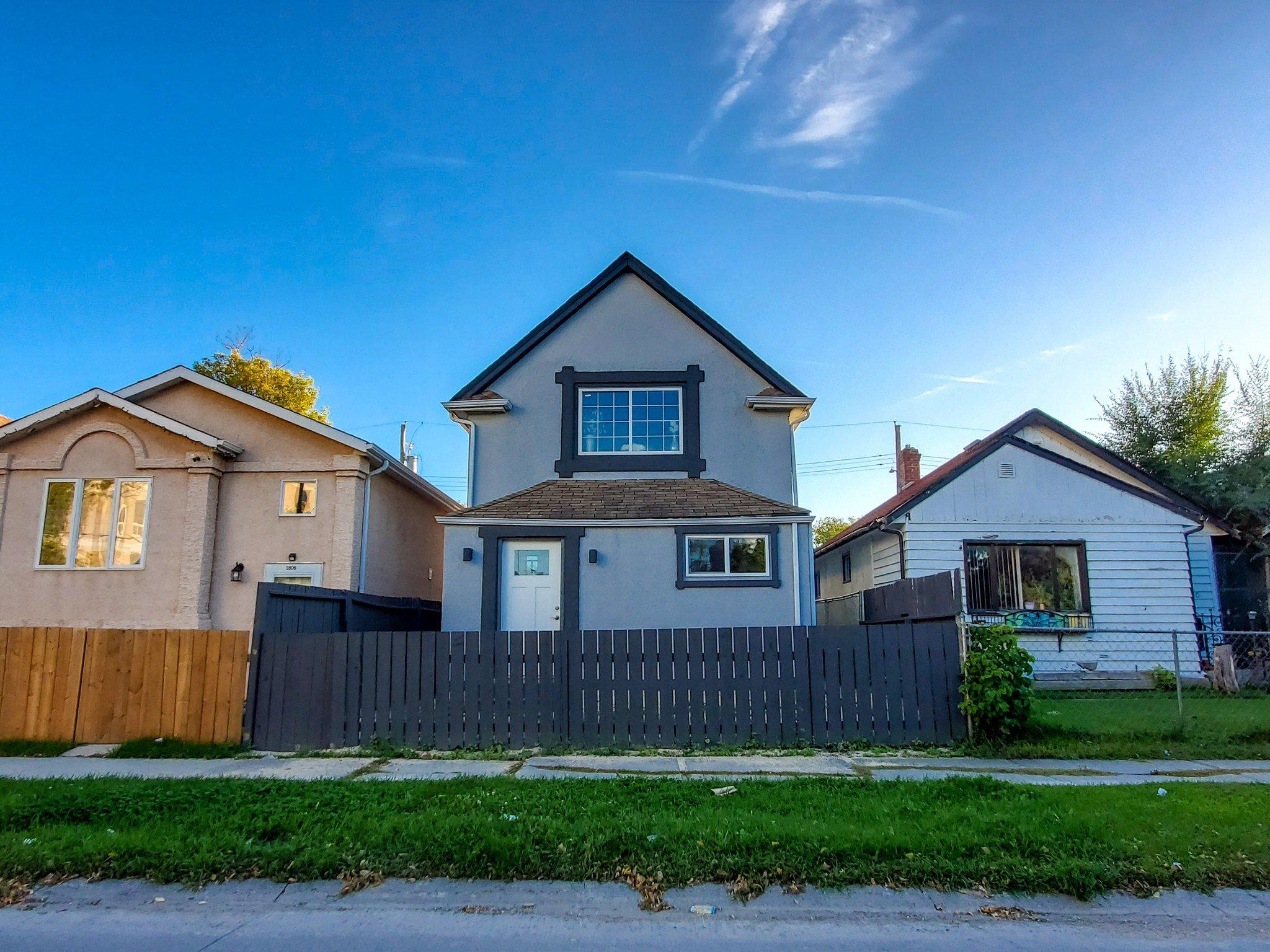 Main Photo: 1808 Alexander Avenue in Winnipeg: Single Family Detached for sale (5D)  : MLS®# 1927366