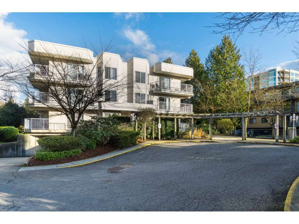 Main Photo: 204 12206 224 Street in Maple Ridge: East Central Condo for sale : MLS®# R2432990