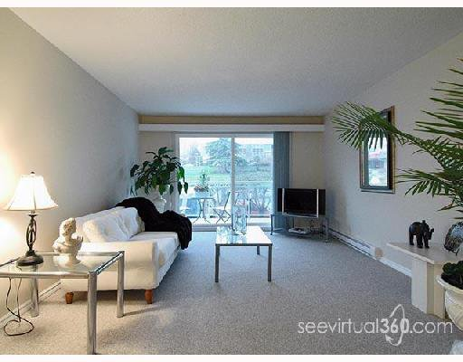 "Main Photo: 208 550 ROYAL Avenue in New_Westminster: Downtown NW Condo for sale in ""Harbourview"" (New Westminster)  : MLS®# V660168"
