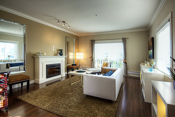 Photo 4: Photos: 1130 Ewen Avenue in New Westminster: Queensborough Townhouse for sale ()