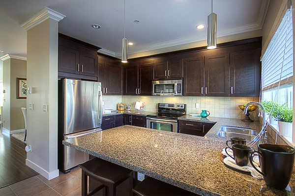 Photo 10: Photos: 1130 Ewen Avenue in New Westminster: Queensborough Townhouse for sale ()