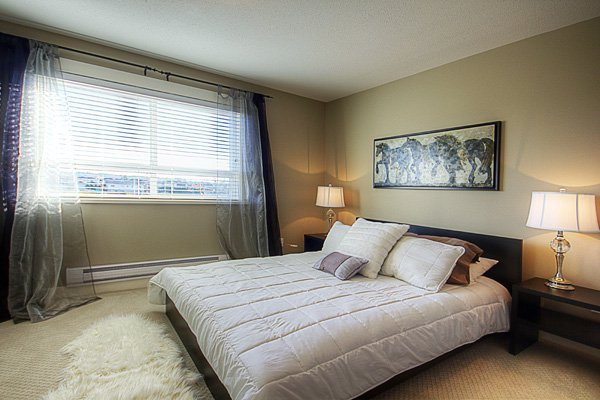 Photo 14: Photos: 1130 Ewen Avenue in New Westminster: Queensborough Townhouse for sale ()