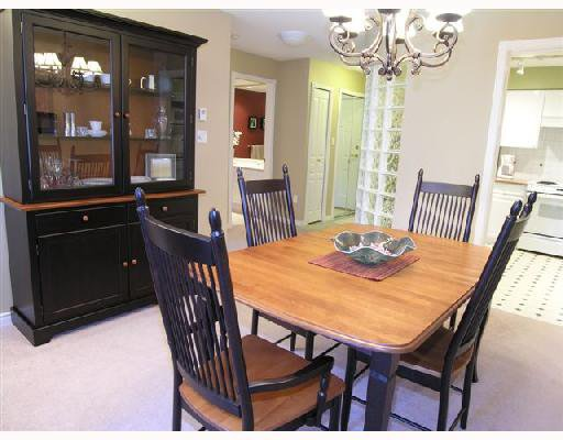 """Photo 5: Photos: 207 1140 STRATHAVEN Drive in North Vancouver: Northlands Condo for sale in """"STRATHAVEN"""" : MLS®# V692659"""