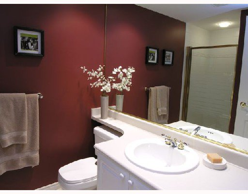 """Photo 8: Photos: 207 1140 STRATHAVEN Drive in North Vancouver: Northlands Condo for sale in """"STRATHAVEN"""" : MLS®# V692659"""