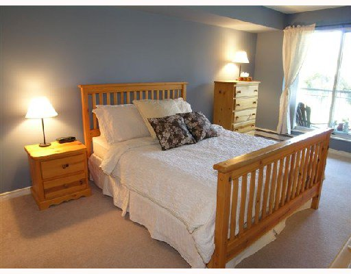 """Photo 6: Photos: 207 1140 STRATHAVEN Drive in North Vancouver: Northlands Condo for sale in """"STRATHAVEN"""" : MLS®# V692659"""