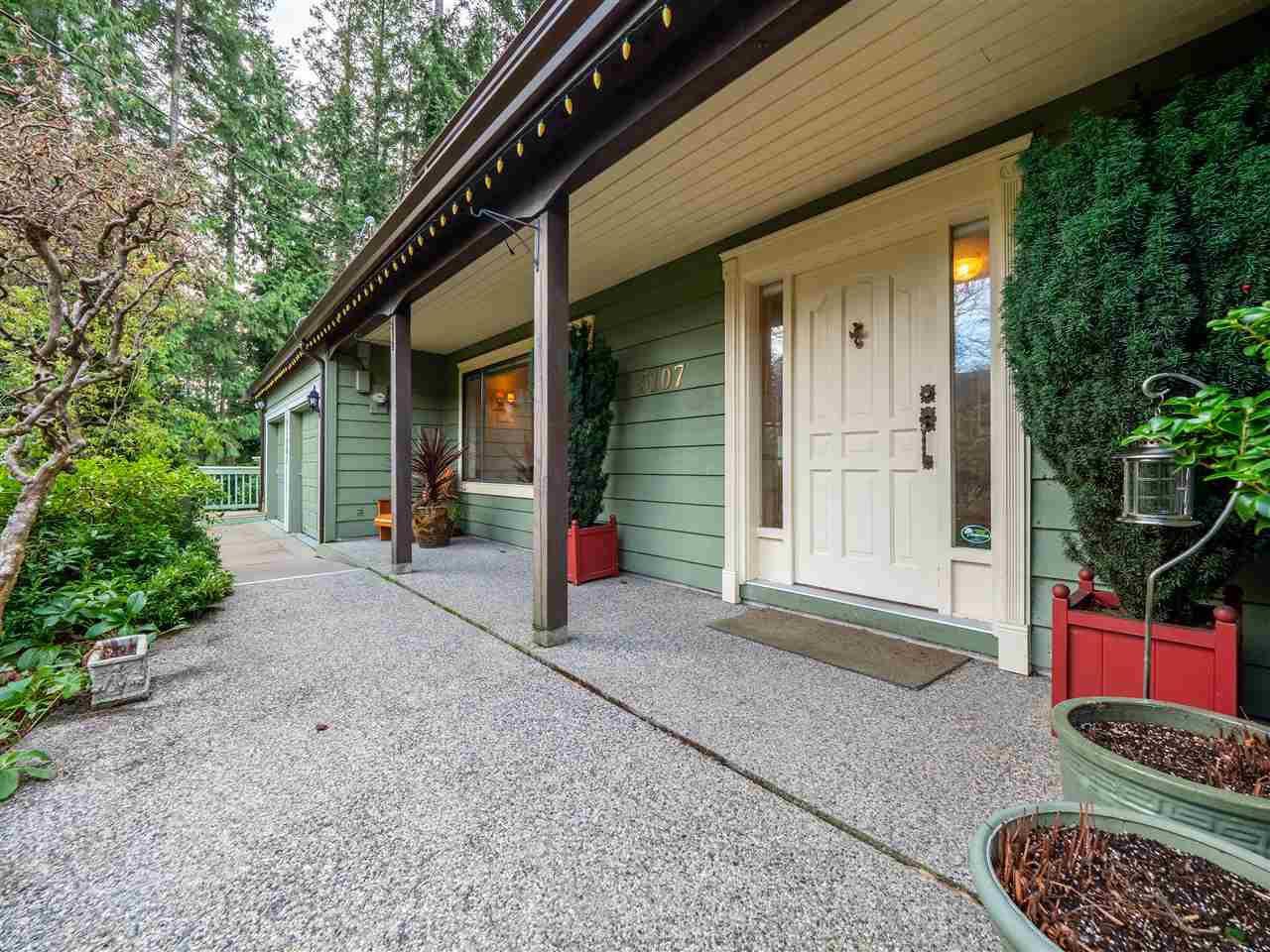 Photo 2: Photos: 5107 RADCLIFFE Road in Sechelt: Sechelt District House for sale (Sunshine Coast)  : MLS®# R2425277