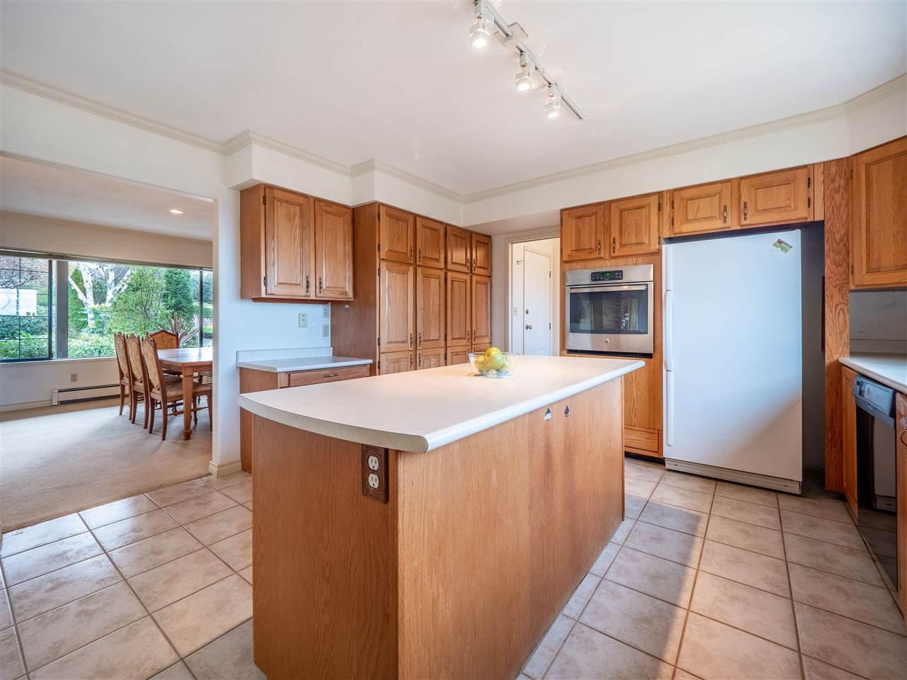 Photo 5: Photos: 5107 RADCLIFFE Road in Sechelt: Sechelt District House for sale (Sunshine Coast)  : MLS®# R2425277