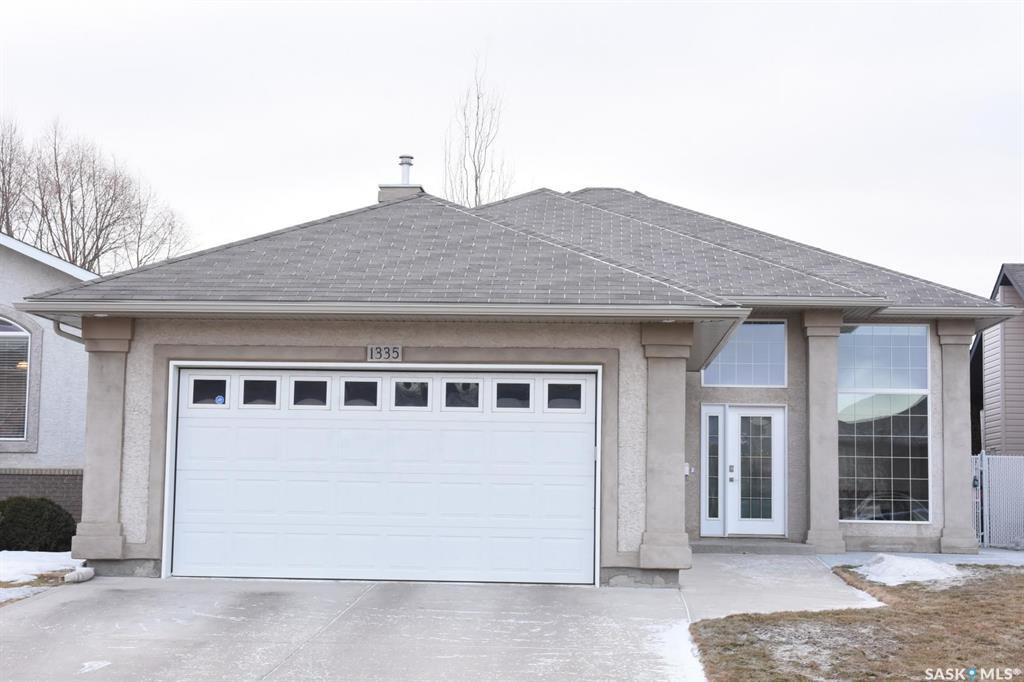 Main Photo: 1335 Bissett Place North in Regina: Lakeridge RG Residential for sale : MLS®# SK802833