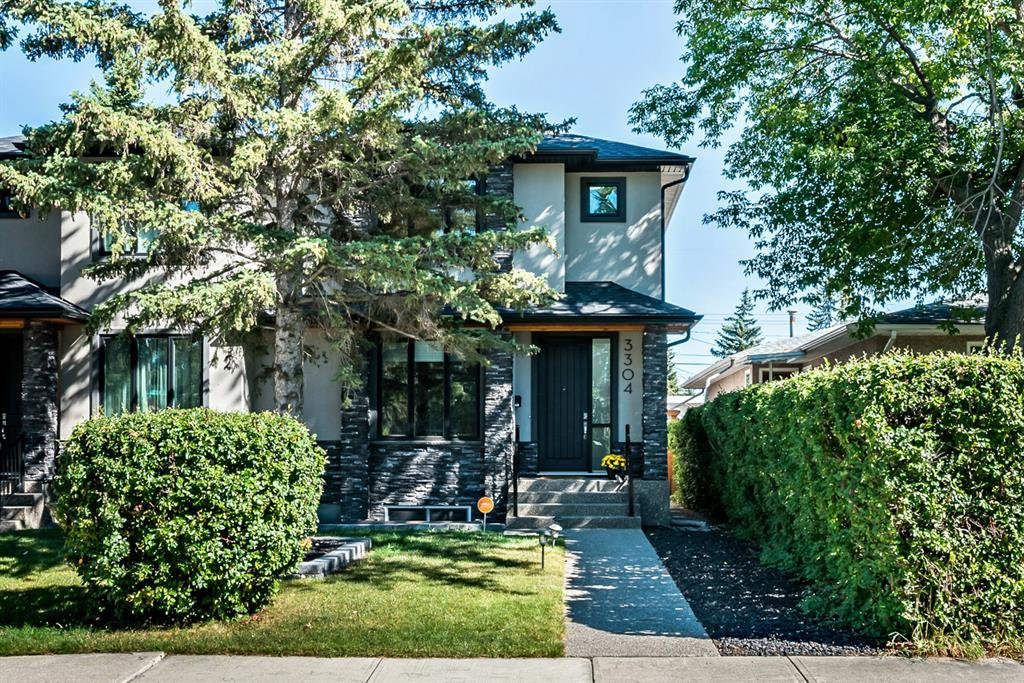 Main Photo: 3304 39 Street SW in Calgary: Glenbrook Semi Detached for sale : MLS®# A1032574