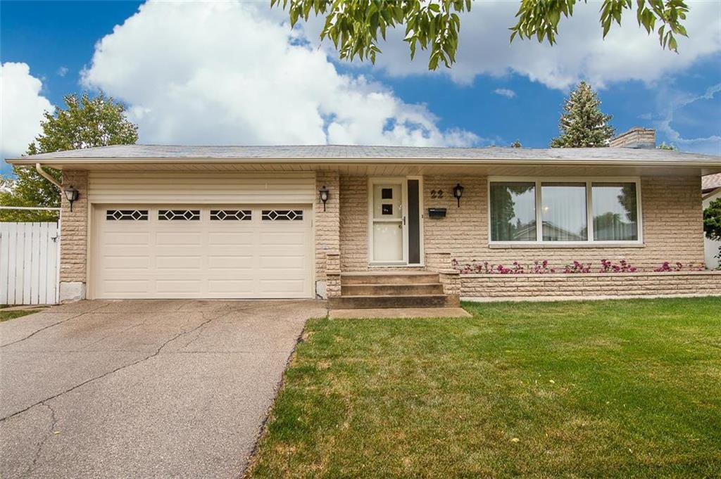 Main Photo: 22 Madrigal Close in Winnipeg: Maples Residential for sale (4H)  : MLS®# 202023191