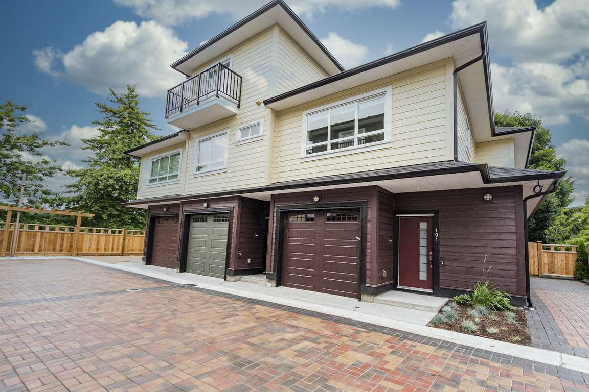 "Main Photo: 101 6571 NO. 4 Road in Richmond: Garden City Townhouse for sale in ""QURESHA GARDENS"" : MLS®# R2525392"