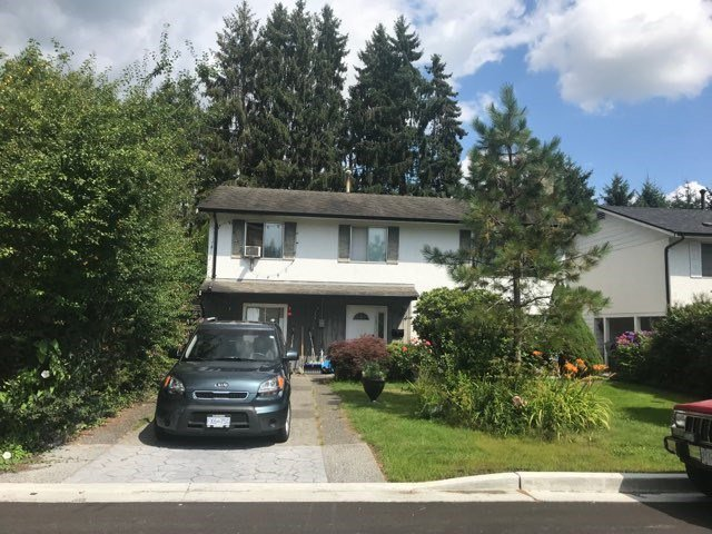 Main Photo: 3834 RICHMOND Street in Port Coquitlam: Lincoln Park PQ House for sale : MLS®# R2390918