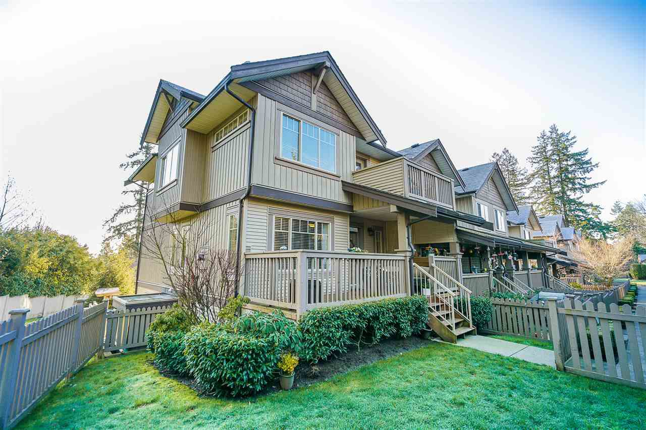 """Main Photo: 9 6238 192 Street in Surrey: Cloverdale BC Townhouse for sale in """"Bakerview Terrace"""" (Cloverdale)  : MLS®# R2442688"""