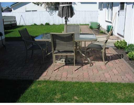 Photo 10: Photos: 1153 MONCTON Avenue in WINNIPEG: East Kildonan Residential for sale (North East Winnipeg)  : MLS®# 2809314