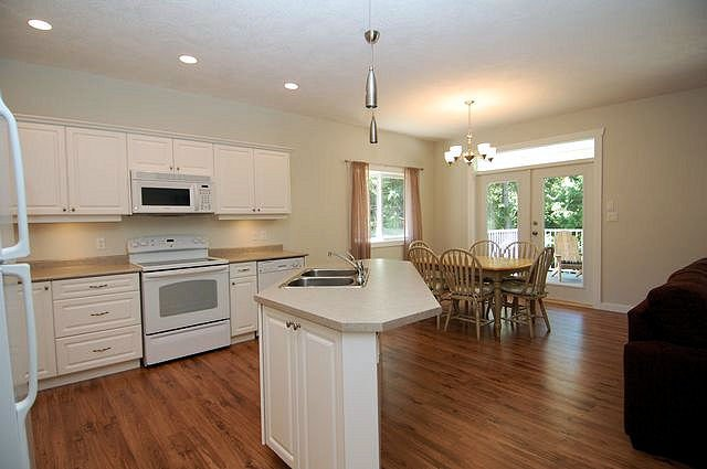 Photo 7: Photos: 2851 WEDGEWOOD DRIVE in DUNCAN: House for sale : MLS®# 302405