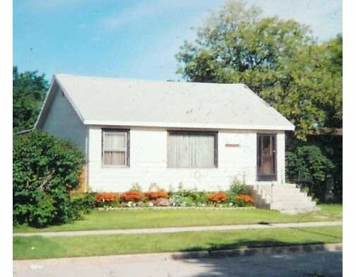 Main Photo: 370 PARKVIEW Street in Winnipeg: St James Single Family Detached for sale (West Winnipeg)  : MLS®# 2618199