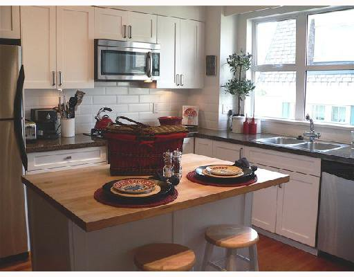 """Photo 6: Photos: 11 2780 ALMA Street in Vancouver: Kitsilano Townhouse for sale in """"TWENTY ON THE PARK"""" (Vancouver West)  : MLS®# V659518"""
