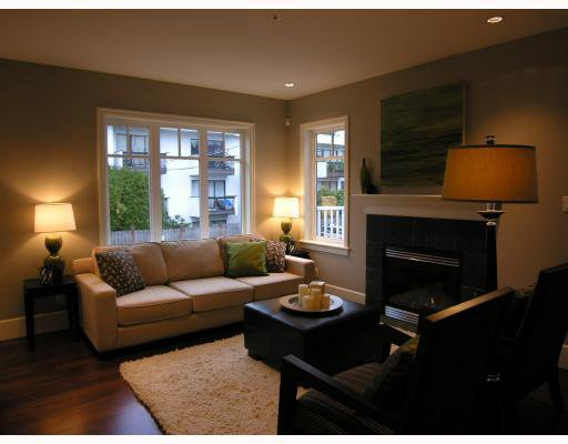 Photo 2: Photos: 2838 SPRUCE Street in Vancouver: Fairview VW Townhouse for sale (Vancouver West)  : MLS®# V680147