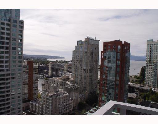 "Photo 9: Photos: 1704 1455 HOWE Street in Vancouver: False Creek North Condo for sale in ""POMARIA"" (Vancouver West)  : MLS®# V711943"