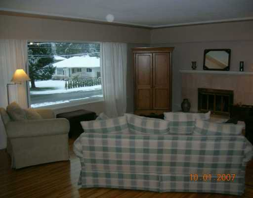"""Photo 4: Photos: 1492 E 27TH Street in North Vancouver: Westlynn House for sale in """"WESTLYNN"""" : MLS®# V625974"""
