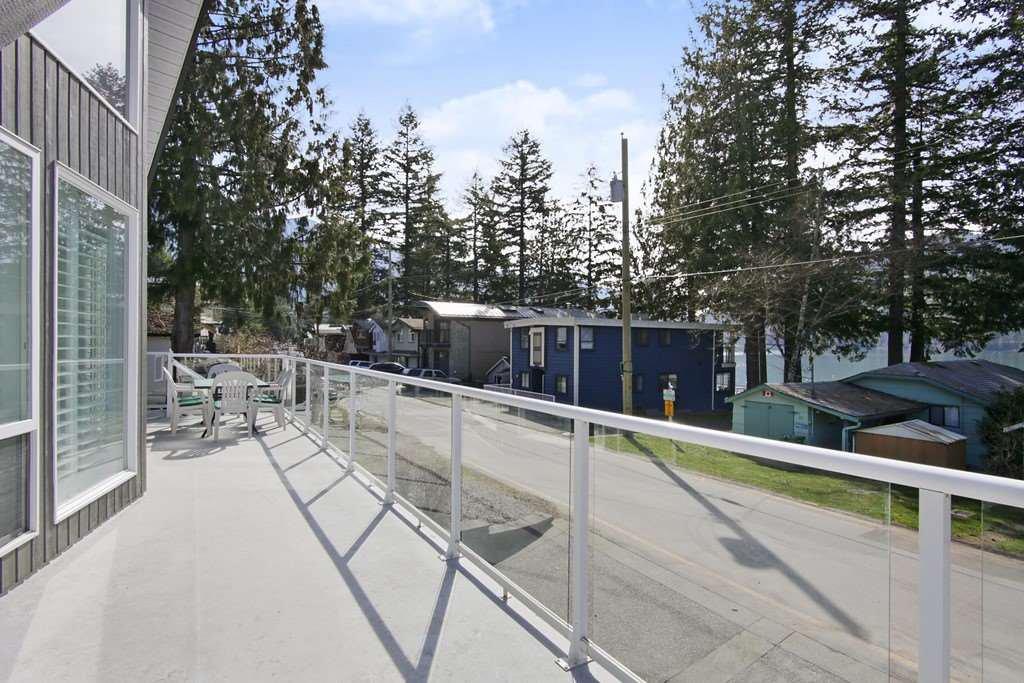 "Photo 20: Photos: 232 1ST Avenue: Cultus Lake House for sale in ""Cultus Lake Park"" : MLS®# R2448191"