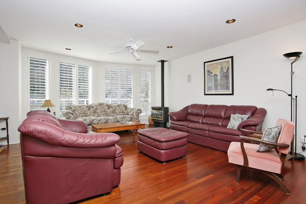 "Photo 2: Photos: 232 1ST Avenue: Cultus Lake House for sale in ""Cultus Lake Park"" : MLS®# R2448191"