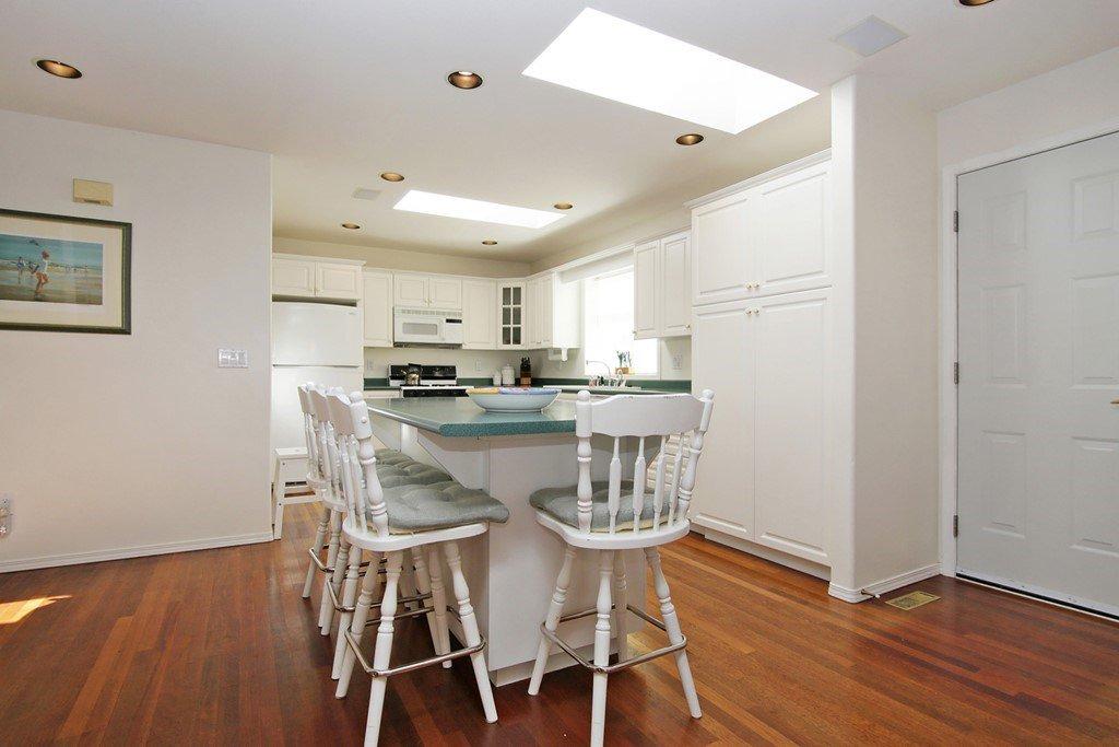 "Photo 5: Photos: 232 1ST Avenue: Cultus Lake House for sale in ""Cultus Lake Park"" : MLS®# R2448191"