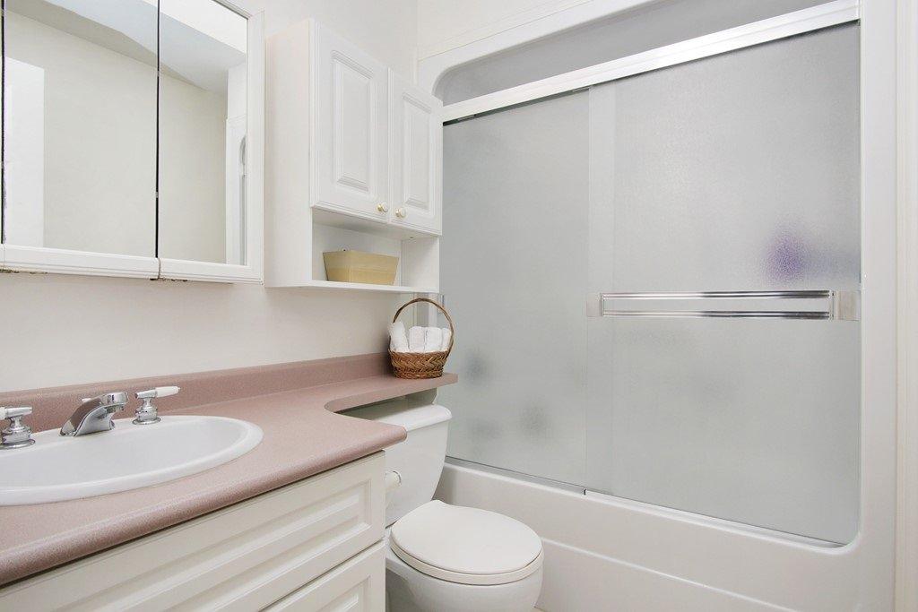 "Photo 15: Photos: 232 1ST Avenue: Cultus Lake House for sale in ""Cultus Lake Park"" : MLS®# R2448191"