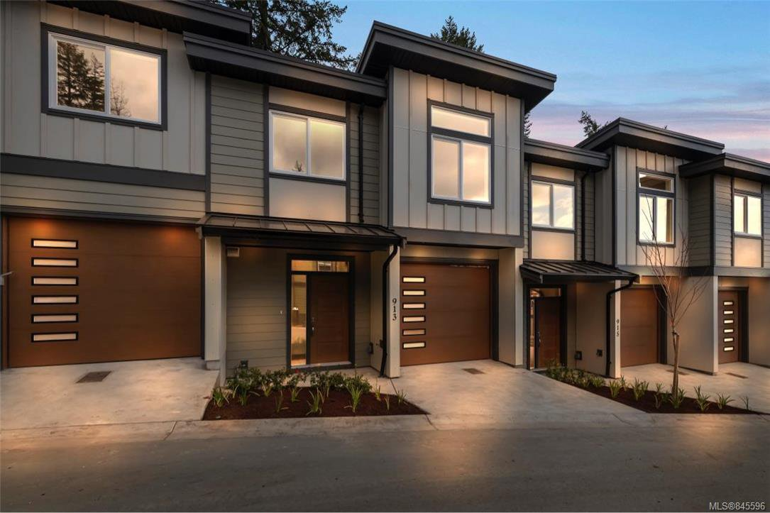 Main Photo: 2117 Echo Valley Pl in : La Bear Mountain Row/Townhouse for sale (Langford)  : MLS®# 845596