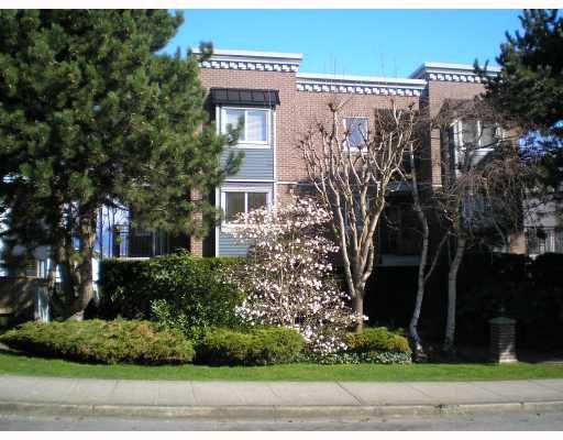 Main Photo: 405 2239 W 1ST Avenue in Vancouver: Kitsilano Condo for sale (Vancouver West)  : MLS®# V699010