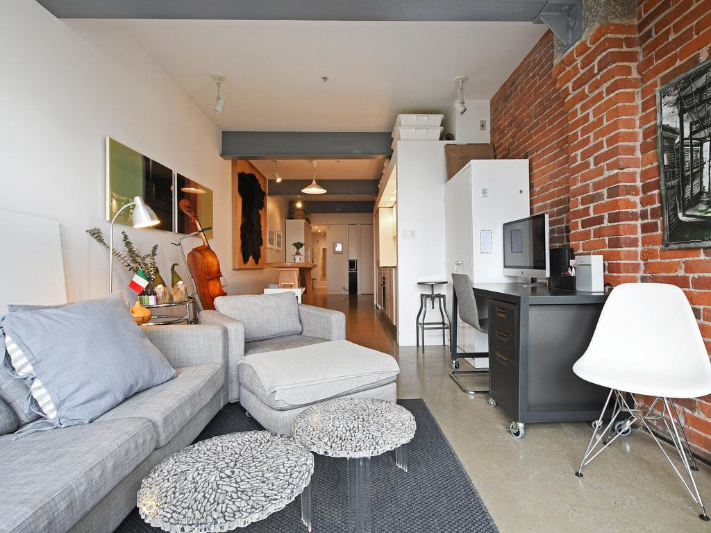 "Photo 3: Photos: 501 53 W HASTINGS Street in Vancouver: Downtown VW Condo for sale in ""PARIS BLOCK"" (Vancouver West)  : MLS®# R2404380"