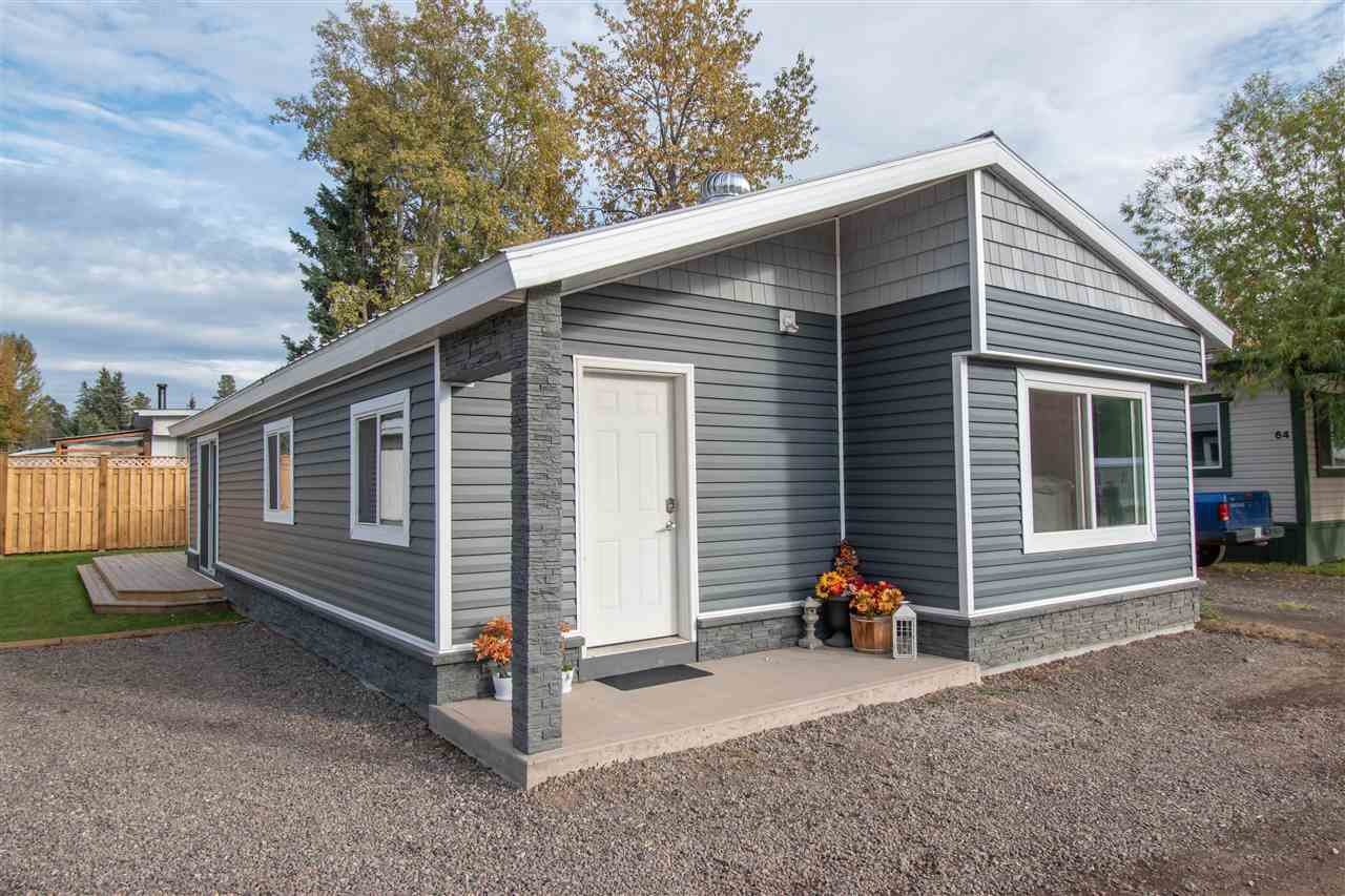 "Main Photo: 63 95 LAIDLAW Road in Smithers: Smithers - Rural Manufactured Home for sale in ""MOUNTAIN VIEW MOBILE HOME PARK"" (Smithers And Area (Zone 54))  : MLS®# R2410431"