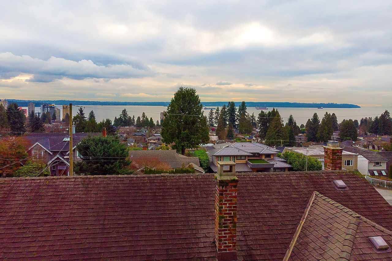 Main Photo: 2379 NELSON Avenue in West Vancouver: Dundarave House for sale : MLS®# R2426907
