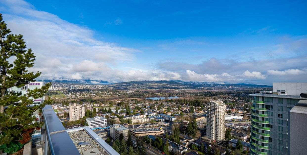 "Main Photo: 2301 4900 LENNOX Lane in Burnaby: Metrotown Condo for sale in ""THE PARK"" (Burnaby South)  : MLS®# R2432406"