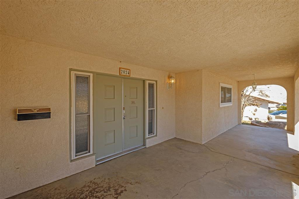 Main Photo: OUT OF AREA House for sale : 4 bedrooms : 2024 Barcelona in Barstow
