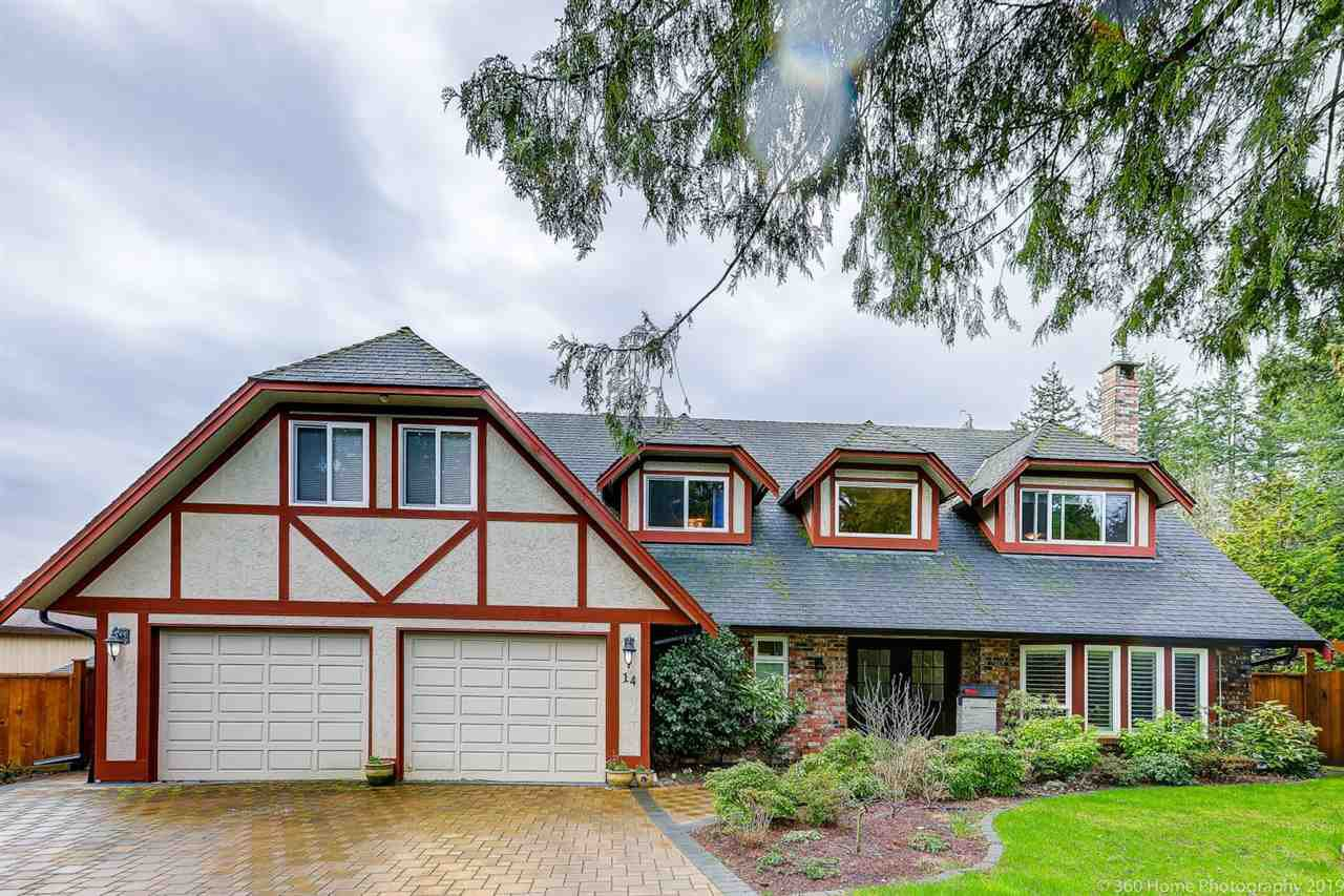 Main Photo: 14 SHERWOOD Place in Delta: Tsawwassen East House for sale (Tsawwassen)  : MLS®# R2450764