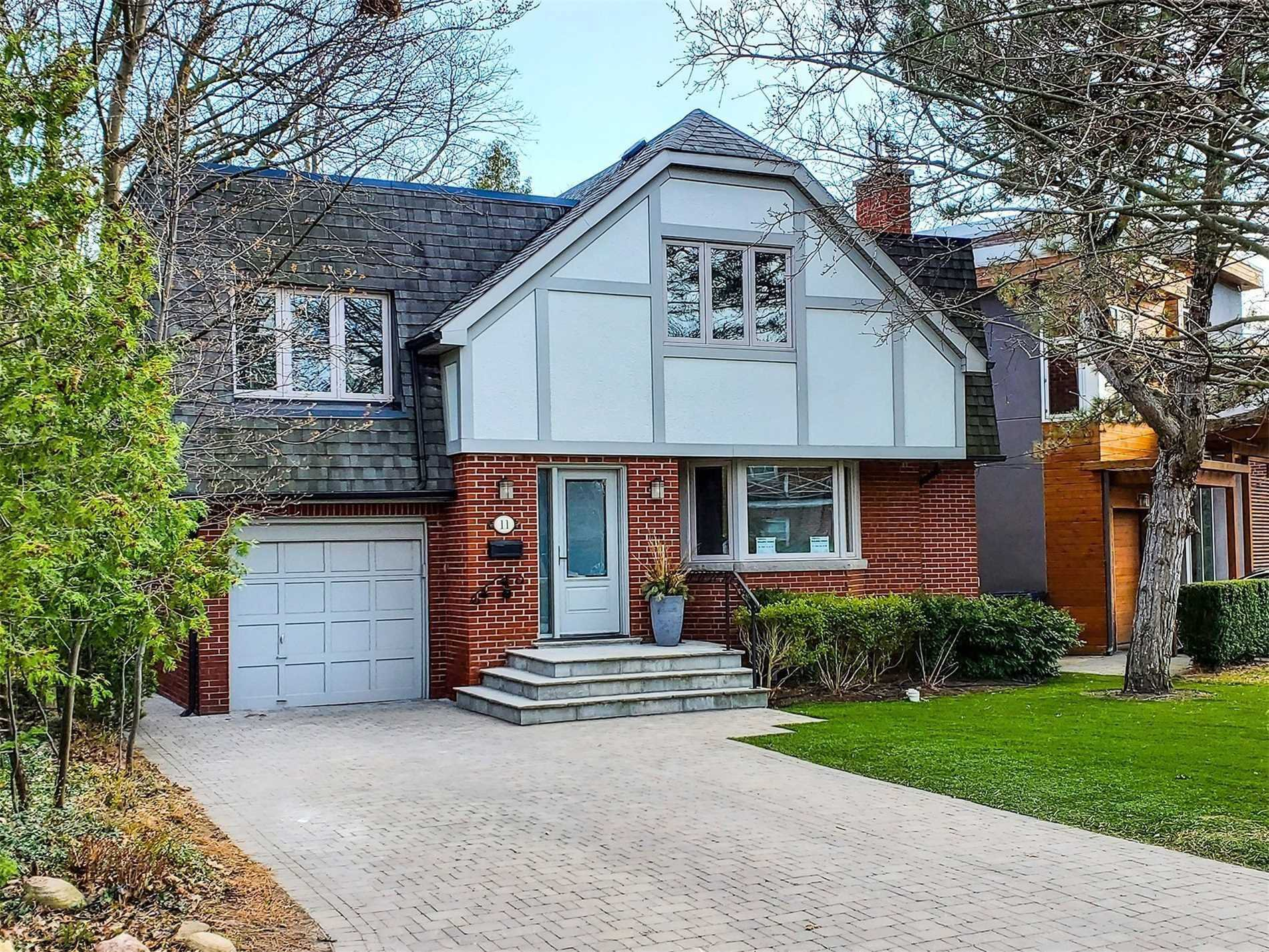 Main Photo: 11 Glen Oak Drive in Toronto: The Beaches House (2-Storey) for lease (Toronto E02)  : MLS®# E4758763