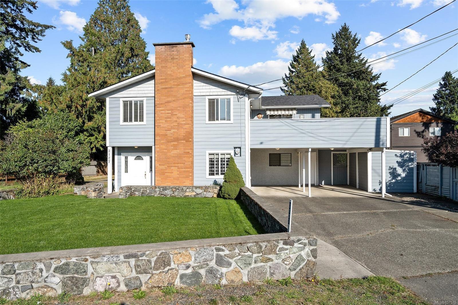 Main Photo: 3127 Glen Lake Rd in : La Glen Lake House for sale (Langford)  : MLS®# 857578