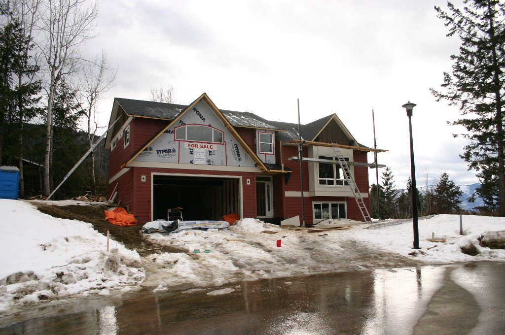Main Photo: 1450 SE 9 Avenue in Salmon Arm: Hillcrest Residential Detached for sale : MLS®# 10039709