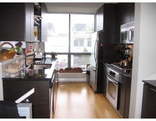 Photo 4: Photos: 3752 COMMERCIAL ST in Vancouver: Victoria VE Townhouse for sale (Vancouver East)  : MLS®# V688379