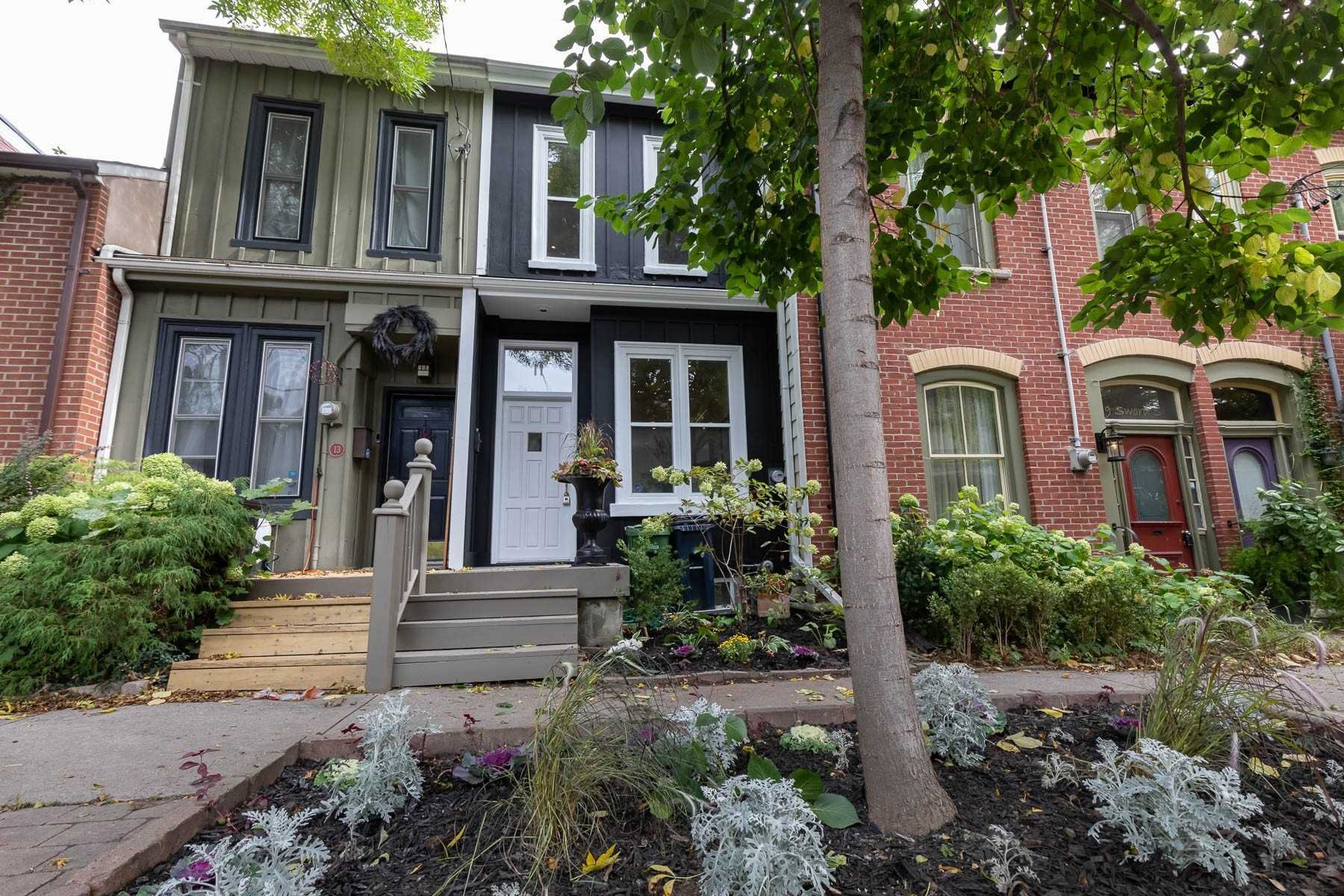 Main Photo: 11 Sword Street in Toronto: Cabbagetown-South St. James Town House (2-Storey) for sale (Toronto C08)  : MLS®# C4602419