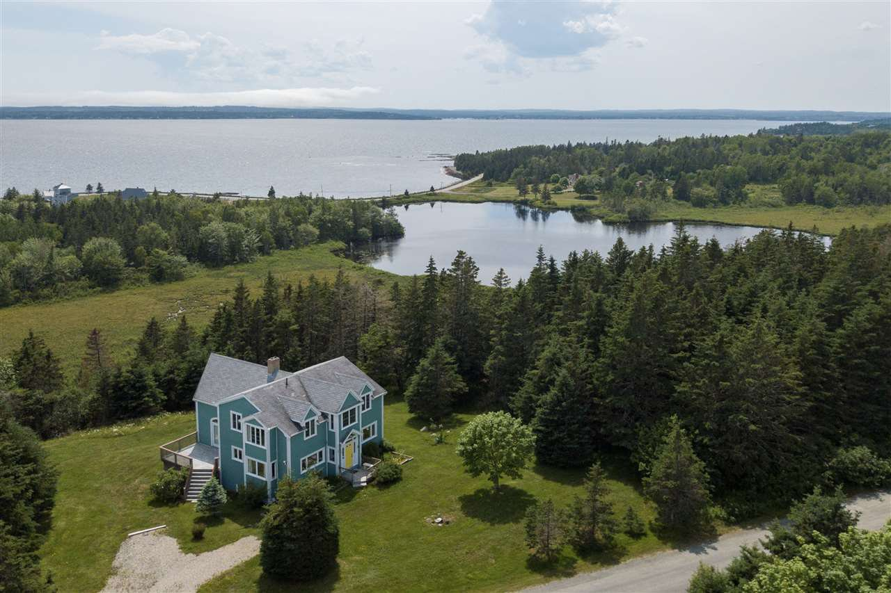 Main Photo: 89 Enslow Road in Blue Rocks: 405-Lunenburg County Residential for sale (South Shore)  : MLS®# 202007656