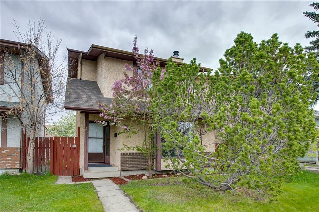 Main Photo: 23 SUNVALE Court SE in Calgary: Sundance Detached for sale : MLS®# C4297368