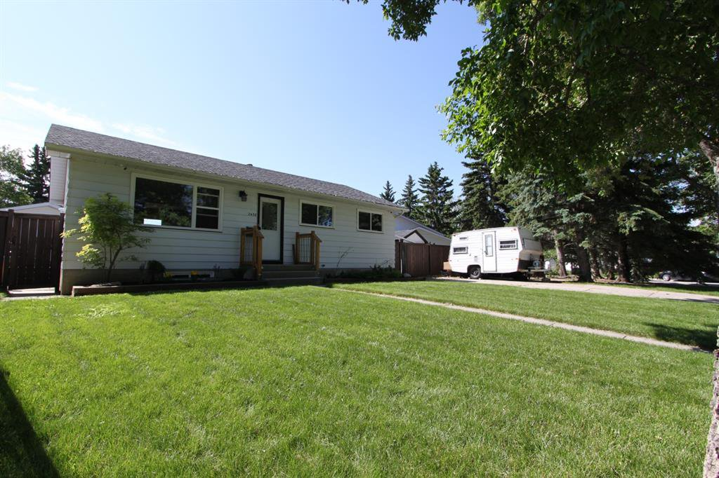 Main Photo: 2438 ELMWOOD Drive SE in Calgary: Southview Detached for sale : MLS®# A1013187