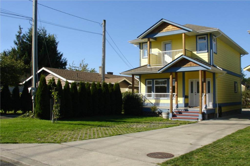 Main Photo: 484 Foster St in Victoria: Residential for sale : MLS®# 285068